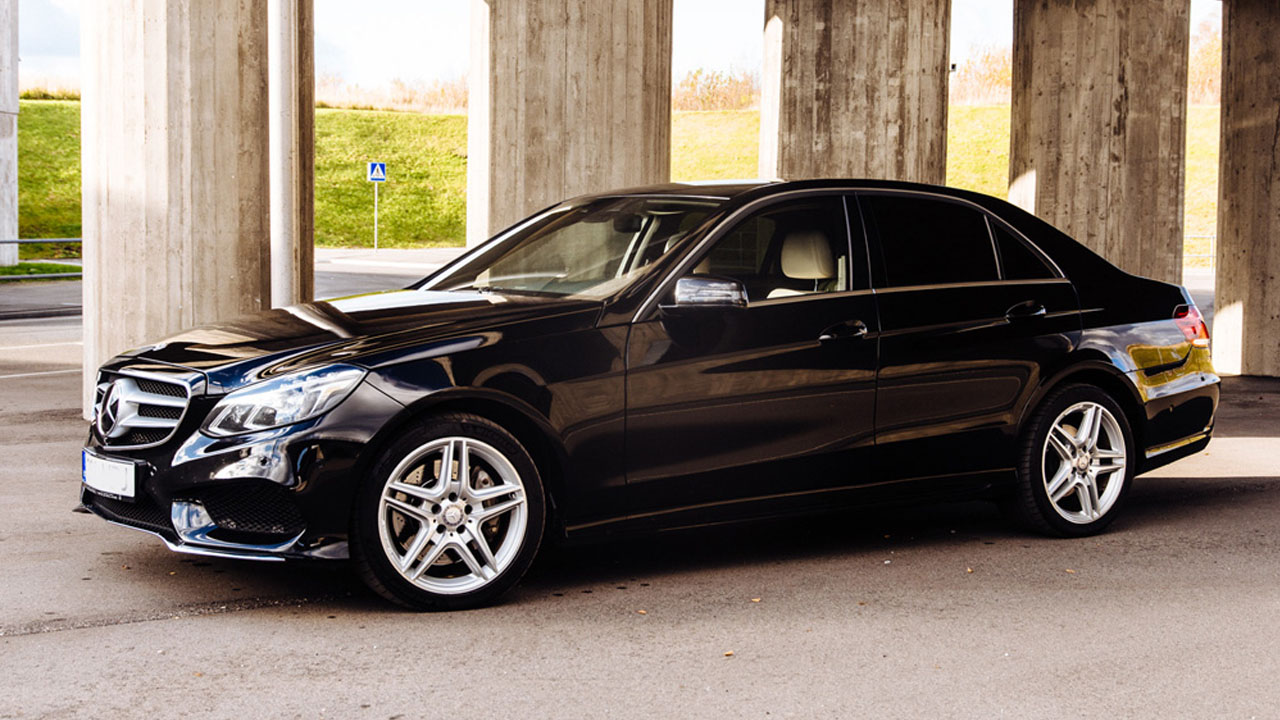 mercedes e class 01 - Our Fleet